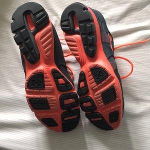 UNDER ARMOUR | men's shoes